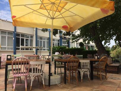 1881 Cafe Lounge
