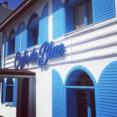 Cafe De Blue