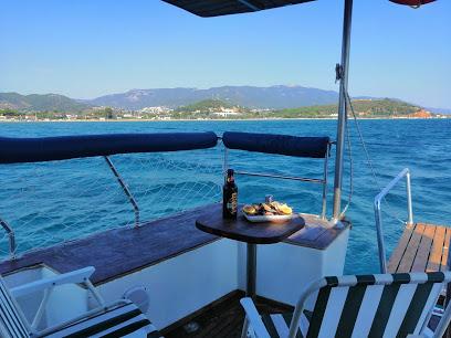 Daria 1 yatçılık. Özel tekne ve balık tutma turları