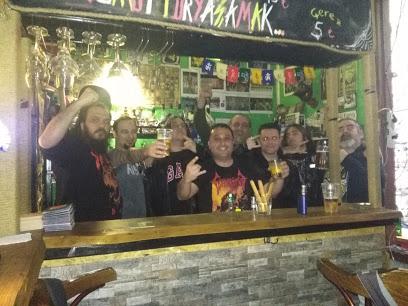 Dinazor Bar