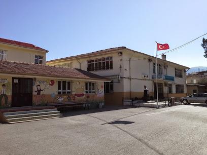 Doğanlar Hüsnü Bornovalı Ortaokulu