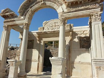 Efes Antik Harabeleri