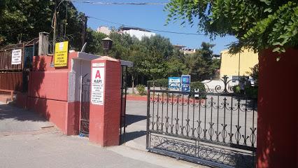 İzmir Atatürk Anadolu Teknik Lisesi