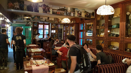 La Puerta Restaurant Cafe Bar