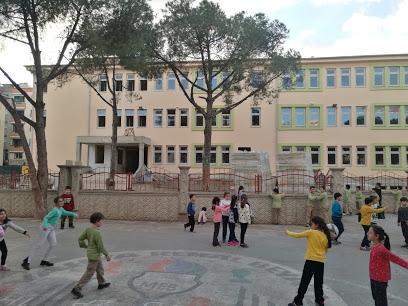 Yahya Kemal Beyatlı İlkokulu
